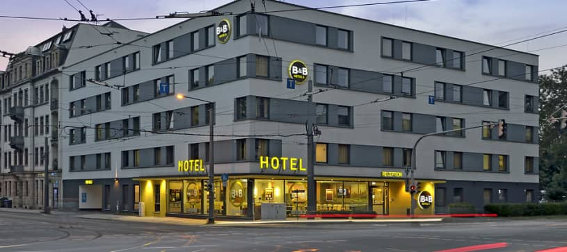 Hotel Dresden exterior by night