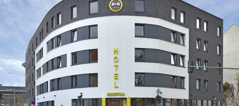Hotel Erfurt Außenansicht bei Tag