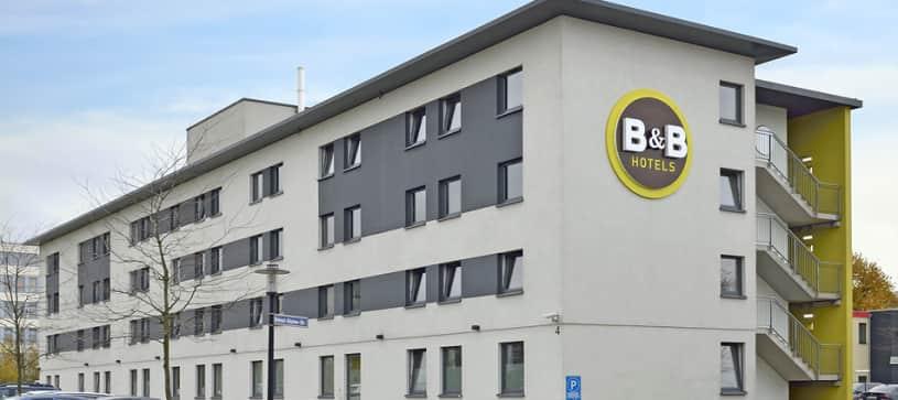Hotel Essen exterior by day