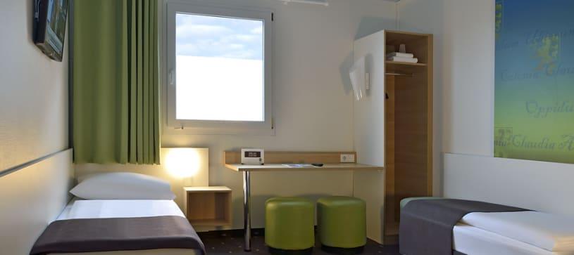 Hotel Köln-Frechen accessible twin room