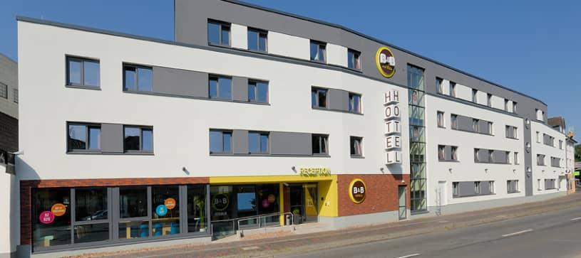 Hotel Oldenburg exterior by day