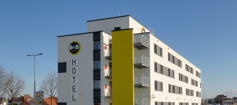 Hotel Paderborn Außenansicht bei Tag