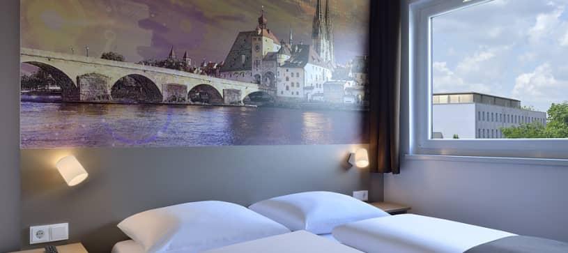 Hotel Regensburg Doppelzimmer für 1 bis 2 Personen Doppelbett Einzel Frenchbed französisches Bett