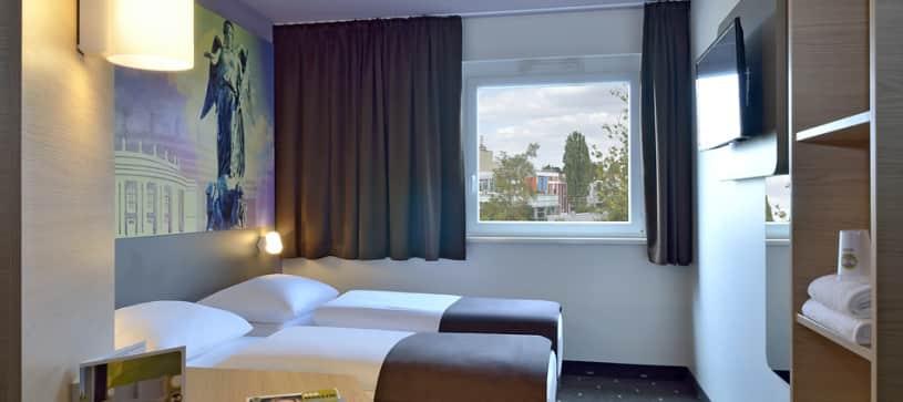 Hotel Stuttgart-Vaihingen twin room