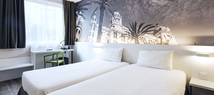 Habitación doble dos camas Hotel B&B Alicante