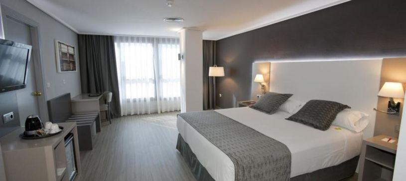 Habitación doble matrimonial Hotel B&B Cartagena Cartagonova
