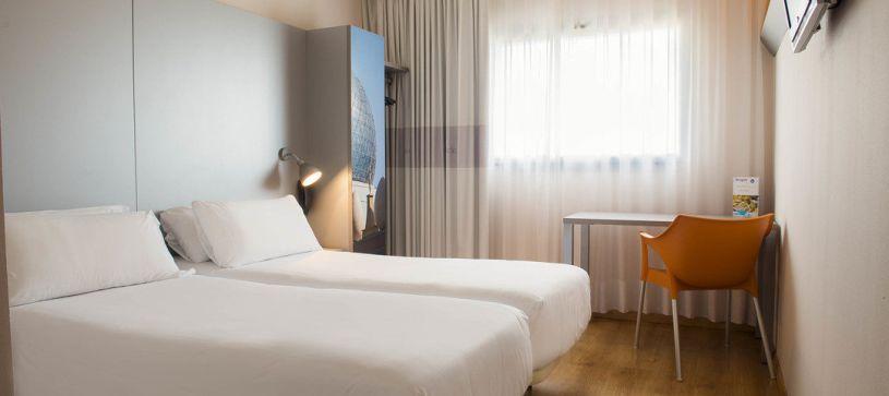 Habitación doble con dos camas Hotel B&B Figueres