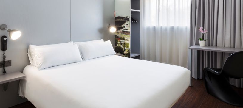 Habitación doble matrimonial Hotel B&B Barcelona Granollers