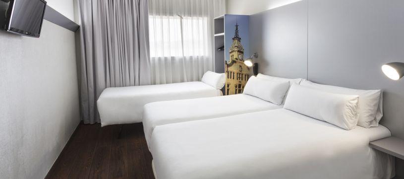 Habitación triple Hotel B&B Barcelona Granollers