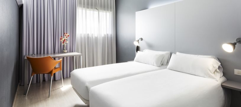 Habitación doble dos camas Hotel B&B Barcelona Mollet