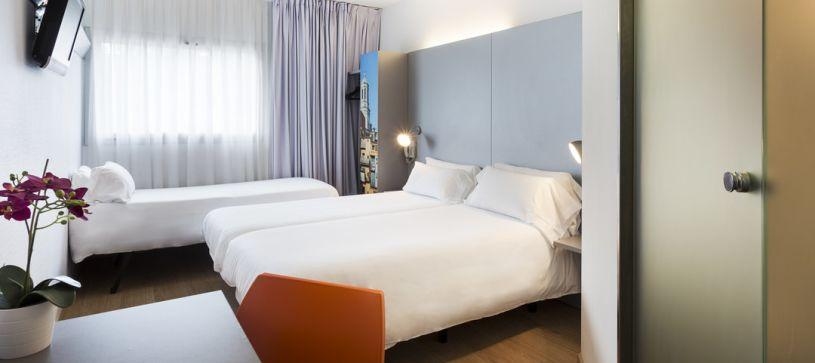 Habitación Triple Hotel B&B Girona 2