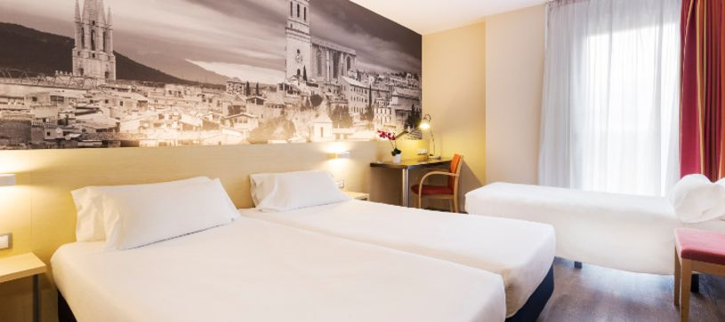 Habitación triple Hotel B&B Girona 3