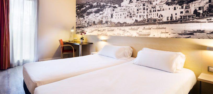 Habitación doble dos camas Hotel B&B Girona 3