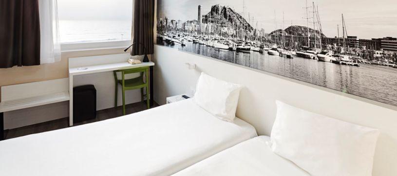 Hotel B&B Alicante habitación con dos camas