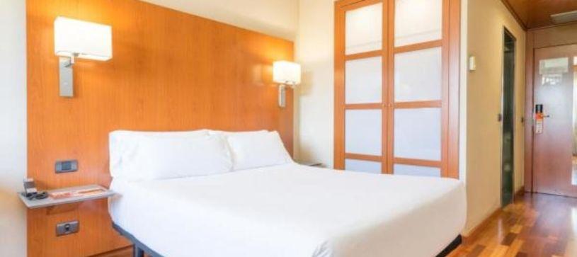 Habitación doble matrimonial Hotel B&B Granada Estación