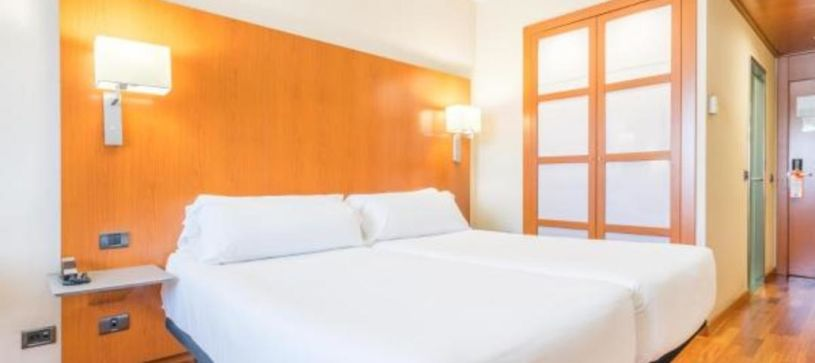 Habitación doble con dos camas Hotel B&B Granada Estación