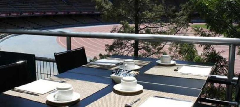 Hotel B&B Jerez  terraza con vistas al estadio