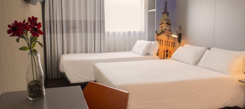 Hotel B&B Granollers habitación familiar para dos adultos y un niño