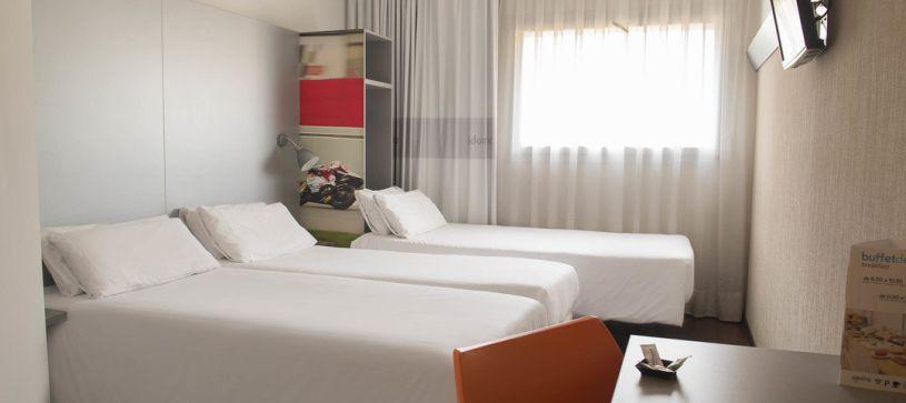 Hotel B&B Granollers habitación triple para tres adultos