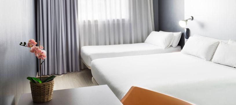 Hotel B&B Mollet Habitación familiar para dos adultos y un niño