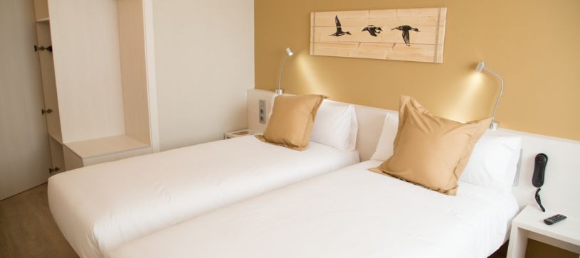 Hotel B&B Viladecans habitación doble con dos camas