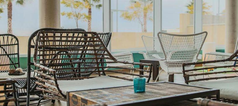 Detalle lobby Hotel B&B Barcelona Viladecans