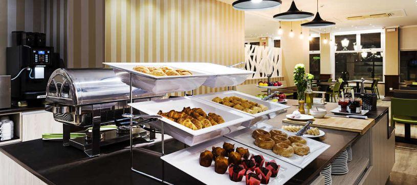 Desayuno buffet Hotel B&B Vigo