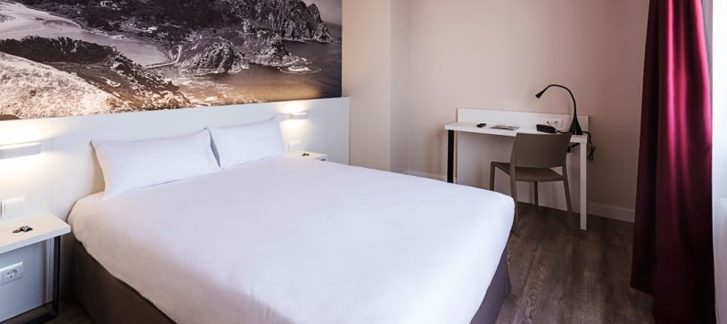 Hotel B&B Vigo habitación doble con terraza