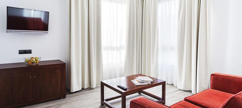 Hotel B&B Vigo habitación superior con salón