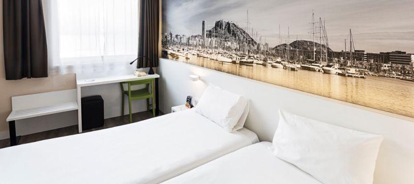 Habitación doble con dos camas Hotel B&B Alicante