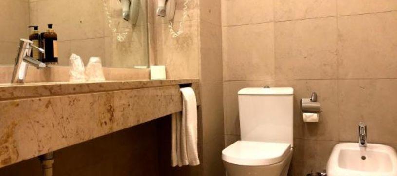 B&B Hotel Cantanhede Coimbra Bathroom