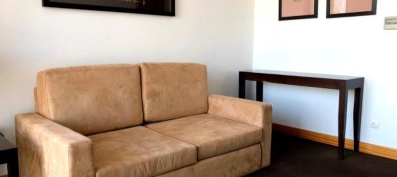 B&B Hotel Cantanhede Coimbra Suite with sofa
