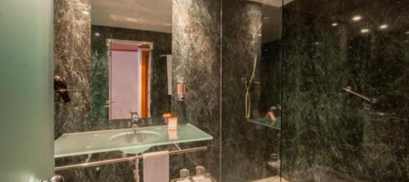 Hotel B&B Castellón baño en-suite