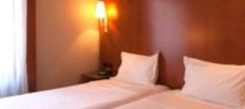 Habitación doble con dos camas Hotel B&B Castellón