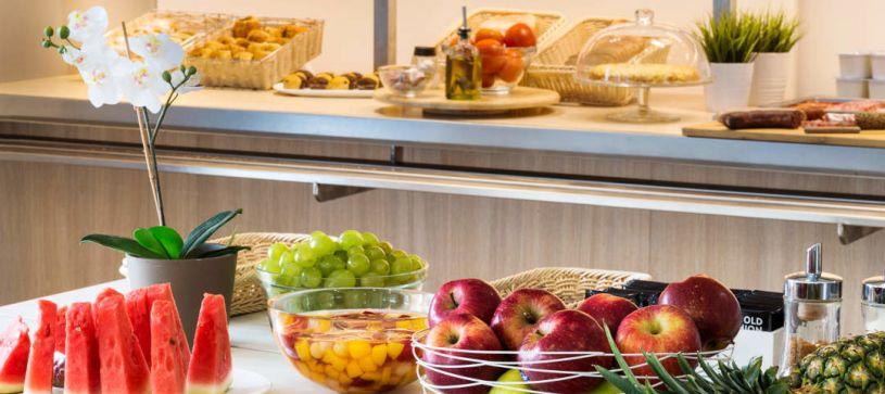 Hotel B&B Figueres desayunos buffet