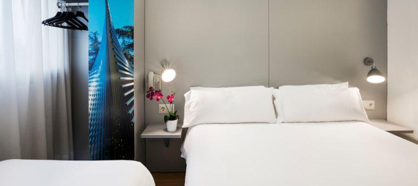B&B Hotel Girona 2 habitación familiar con cama doble y cama individual
