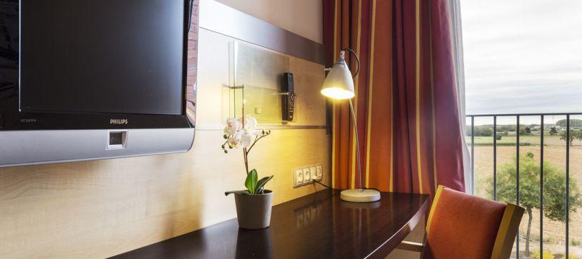 B&B Hotel Girona 3 escritorio de habitación doble