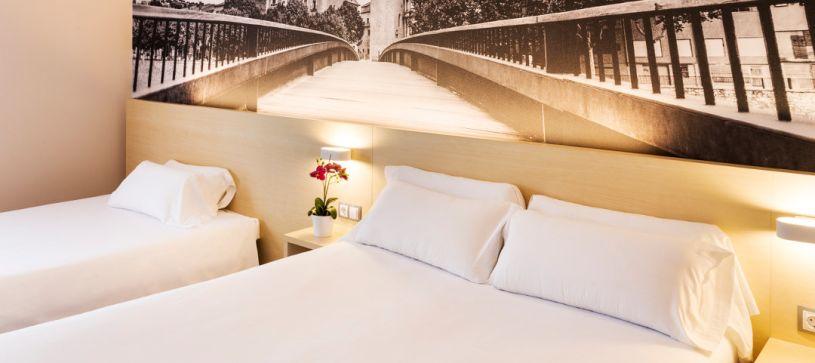 Hotel B&B Girona 3 habitación familiar