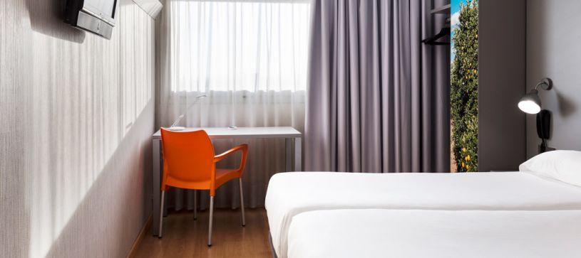 Habitación con camas gemelas Hotel B&B Valencia Aeropuerto