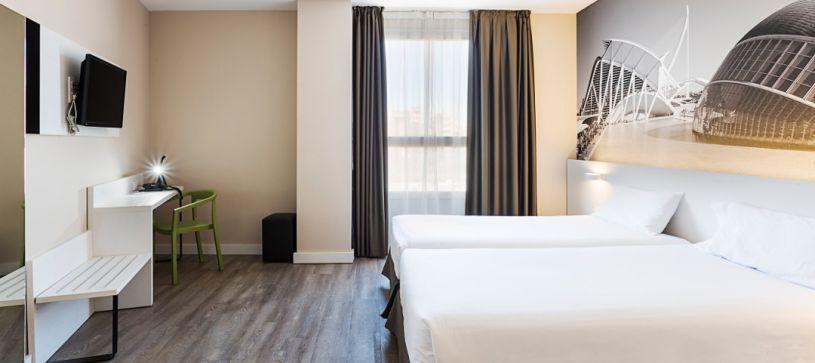 Habitación doble con dos camas Hotel B&B Valencia Ciudad de las Ciencias