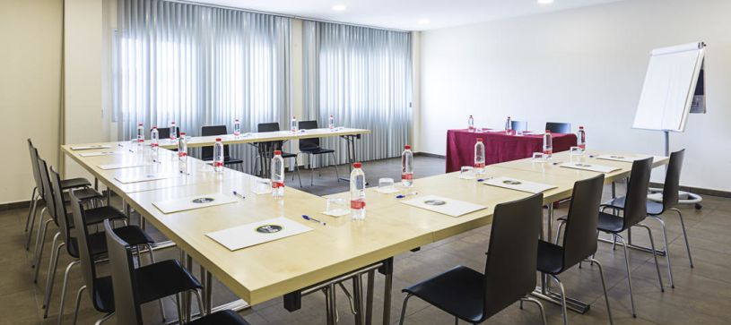 Sala de conferencias Hotel B&B Madrid Airport T1 T2 T3