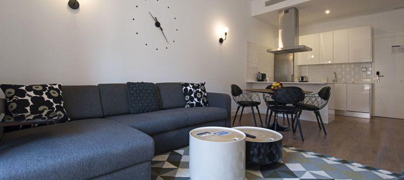 Sofá B&B Apartamentos Fuencarral 46