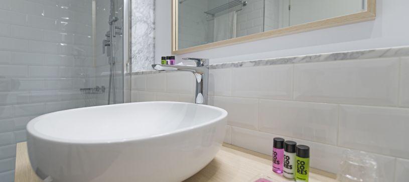 Detalle baño B&B Apartamentos Fuencarral 46