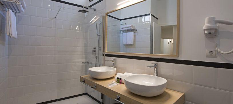 Baño de diseño B&B Apartamentos Fuencarral 46