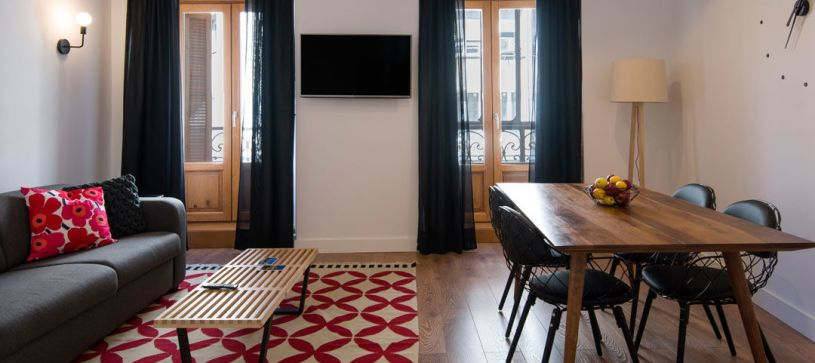 Comedor apartamento de 1 dormitorio Madrid B&B Apartamentos Fuencarral 46