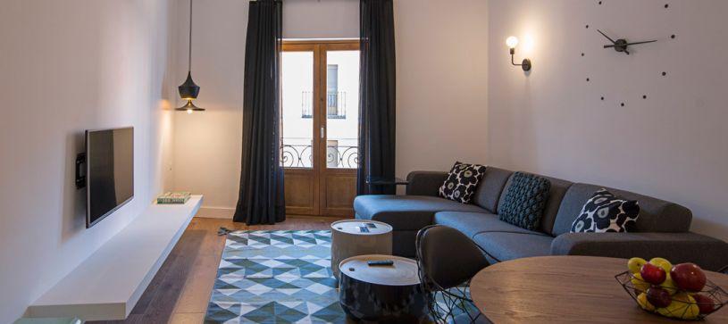 Salón comedor apartamento de 1 dormitorio Madrid B&B Apartamentos Fuencarral 46