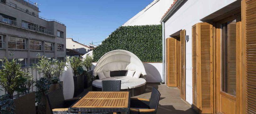 Terraza apartamento con terraza Madrid B&B Apartamentos Fuencarral 46