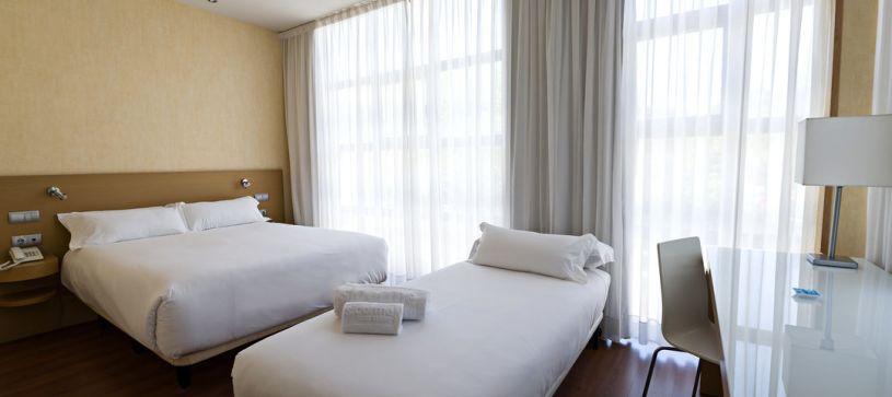 Habitación Familiar Hotel B&B Madrid Fuenlabrada