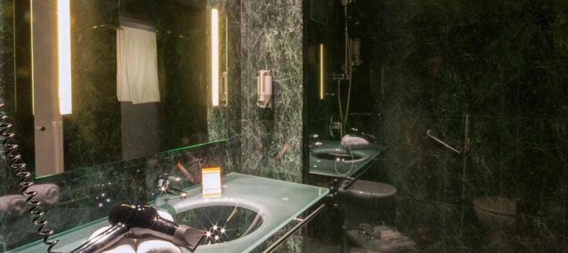 Baño Hotel B&B Getafe