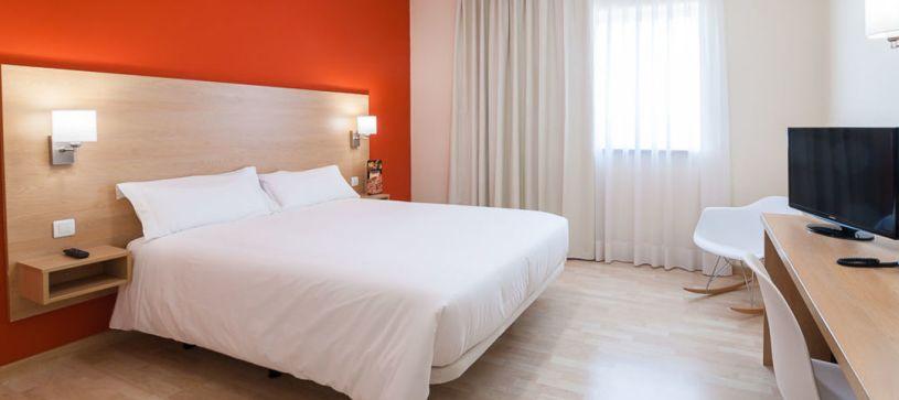 Panorámica habitación doble Hotel B&B Madrid Las Rozas